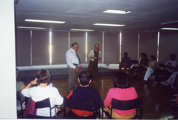 Peter Bridgmont y Luz Altamira en La Crisálida